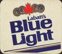 Pivní tácek labatt-81-oboje