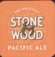 Pivní tácek stone-and-wood-4-small